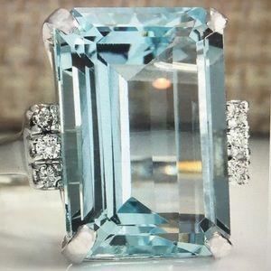 Jewelry - Huge 925 silver aquamarine ring size 7
